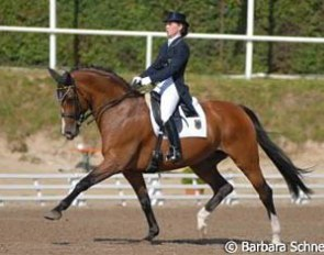 Verena van der Linde and Mitchell at the 2007 European Young Riders Championships :: Photo © Barbara Schnell