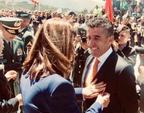 Parra receives the  San Jorge Military Medal from Colombia's Vice President