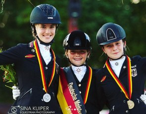Shona Benner, Rose Oatley and Johanna Kullmann make the pony podium at the 2019 German Youth Riders Championships in Zeiskam :: Photo © Sina Schäper