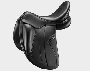 Kalifornia, a new dressage saddle handcrafted at Selleria Equipe in Italy