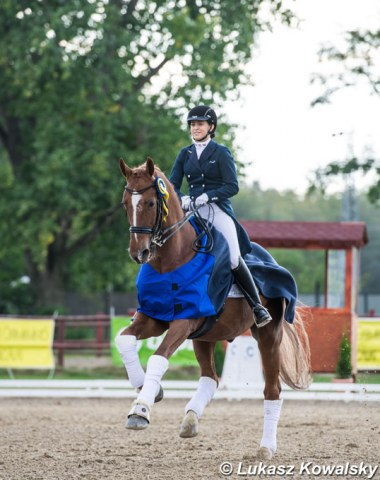 Hungarian young rider Reka Zengo and her chestnut gelding Ronaldinho won the team and individual test and were second in the Kur