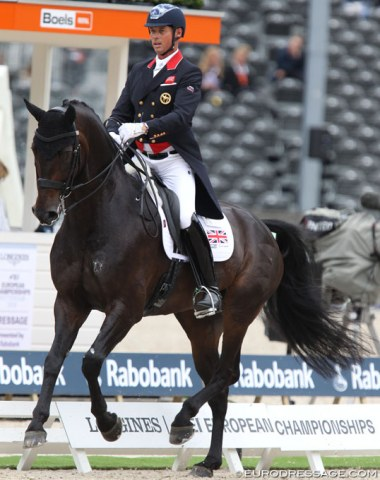 Carl Hester on Hawtins Delicato