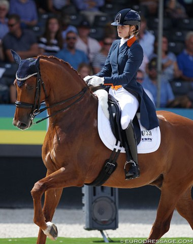 Nice to see the young professional Anne Meulendijks (who just got nominated on the Dutch team for the 2019 European Championships) also bringing along younger talent to secure  future and succession in the sport. Here she is on Hot-Spot PB (by Dancer x Cocktail)