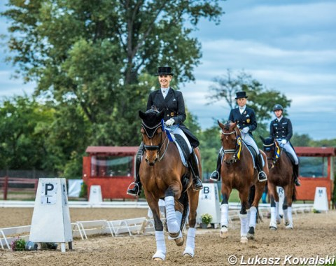 Jessica von Bredow-Werndl and Zaire E in the lap of honour