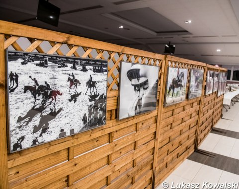 Polish equestrian photographer Lukasz Kowalski exhibiting some of his work at the CDI-W Zakrzow