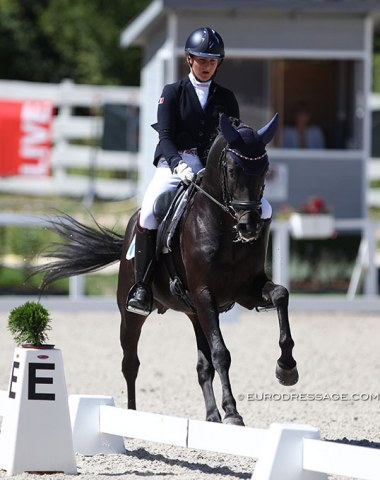 French Cassandra Rouxel on the 12-year old stallion Under Cover Fast (by Latimer)