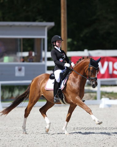 A pair to watch ! Austria's Felicita Simoncic on the 16-year old Chantre. Lovely riding!