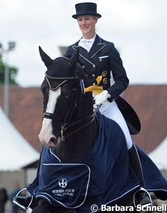Marion Engelen and Sir Oliver win the Nurnberger Burgpokal Qualifier