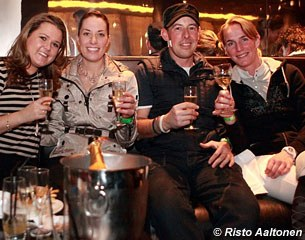 After party snap shot: Charlotte Dujardin and her groom drinking champagne with Imke Schellekens-Bartels