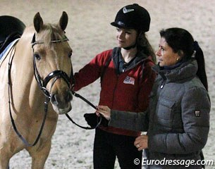Anastasia Huet and Day of Diva have trained a few days with Carmen de Bondt. The journey to Switzerland is on Tuesday 17 January 2012