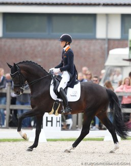Kristen Brouwer and Ferdeaux at the 2017 World Young Horse Championships :: Photo © Astrid Appels