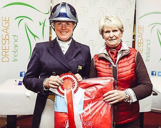 Intermédiare I final presentation by Gillian Kyle [Vice-Chairperson Dressage Ireland] to Heike Holstein.