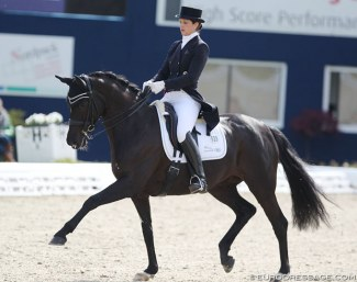 Stefanie Wolf and Saphira Royal at the 2018 Horses & Dreams in Hagen :: Photo © Astrid Appels