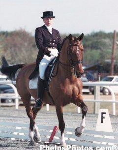 Tami Hoag and Feliki in 2001 :: Photo © Mary Phelps
