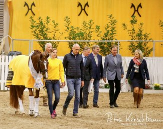 Rhinelander Belissimo M and his team entering the arena for the Hanoverian Stallion of the Year 2018 ceremony :: Photo © Petra Kerschbaum