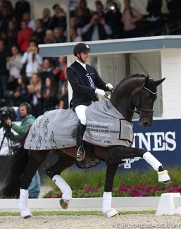 Andreas Helgstrand and Jovian win the 5-YO Finals at the 2019 World Young Horse Championships :: Photo © Astrid Appels