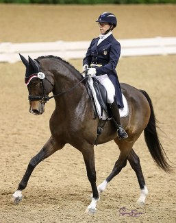 Heather Mason and RTF Lincoln claimed victory on the first day of the 2019 US Dressage Finals :: Photo © Sue Stickle