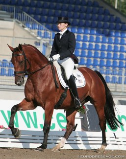 Teresa Butta-Stanton on Unitas at the 2006 World Young Horse Championships in Verden :: Photo © Astrid Appels